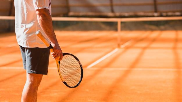テニス選手のバックビュー