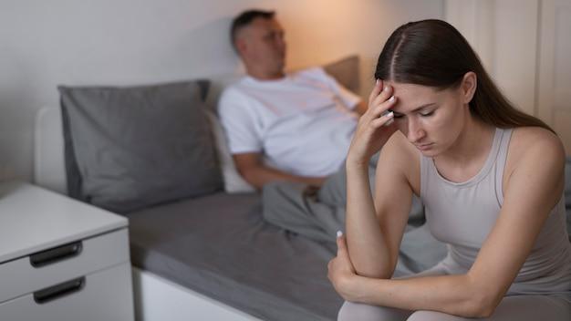 動揺したカップルとの悪いセックスの概念