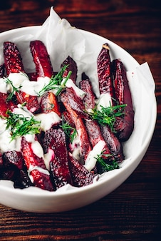 Baked beet with yogurt and fresh dill