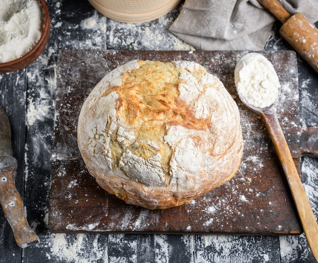 Baked bread, white wheat flour