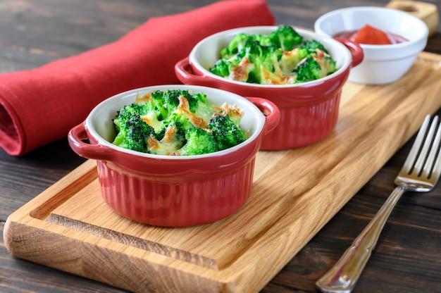 Запеченная брокколи с сыром