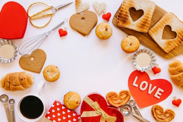 발렌타인 데이를위한 구운 음식과 선물