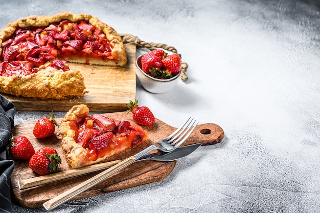 Baked galette with strawberry and rhubarb