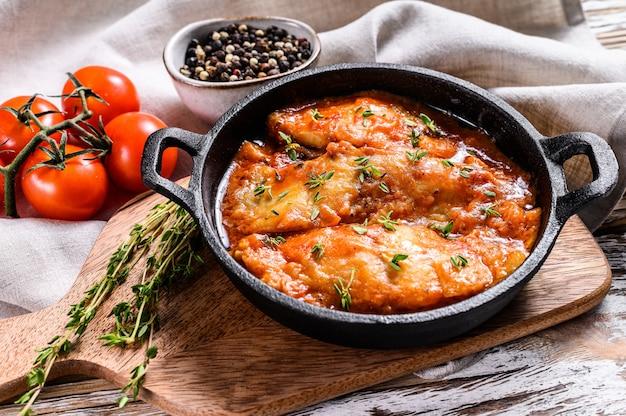 ひらめ魚のトマトソース鍋