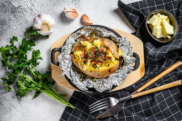 ベーコンネギとチーズのベイクドポテト