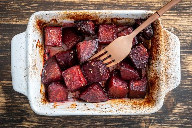 蜂蜜と赤いビーツの焼き