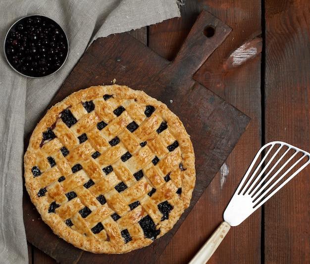 철판에 구운 둥근 검은 건포도 케이크, 평면도