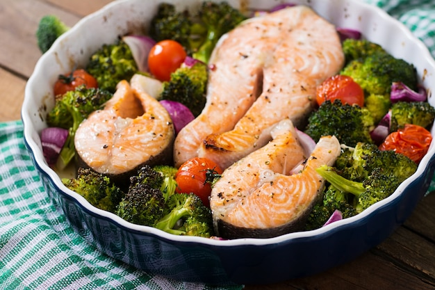 Baked salmon steak with vegetables