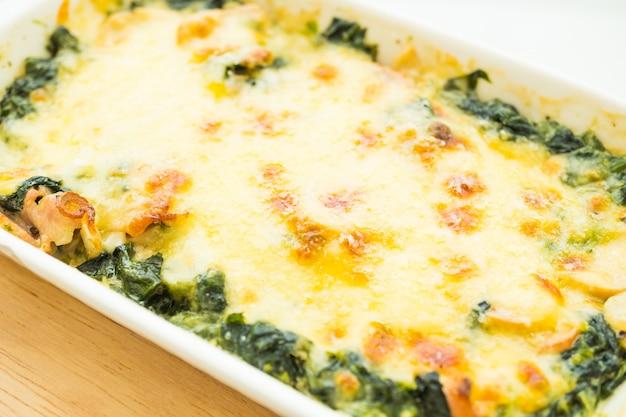 Baked spinach lasagna