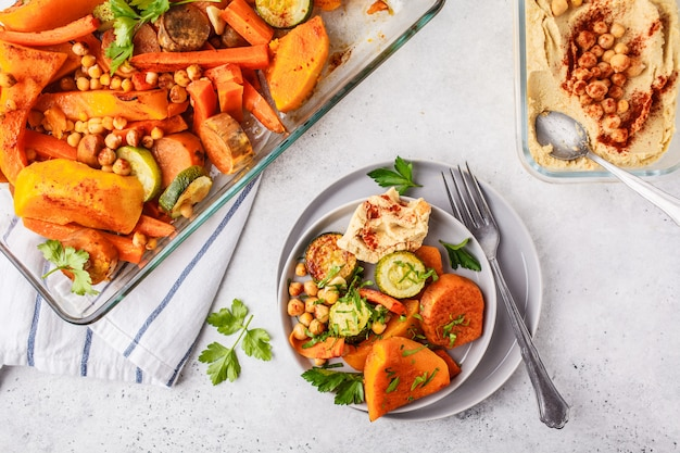 ひよこ豆とフムスと焼き野菜。平干しビーガンフード。