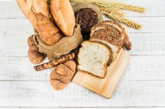 白い背景の上のパン屋さん