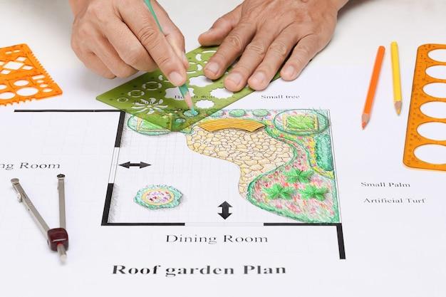 Balcony garden home design