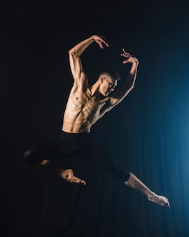 Ballerino dancing with tights