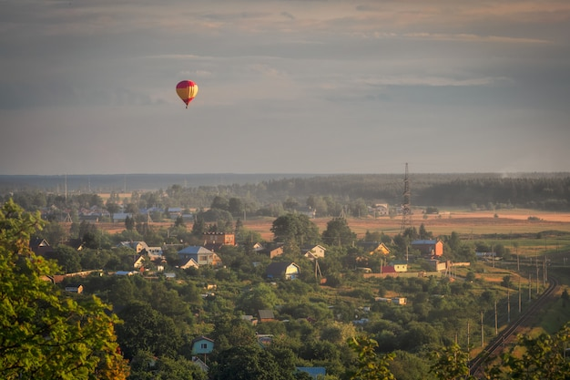 Balloon flights in the evening.