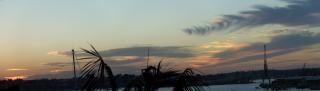バルの夕日、水