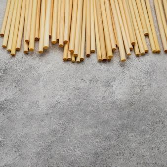 Бамбуковые трубки для питья copy space high view