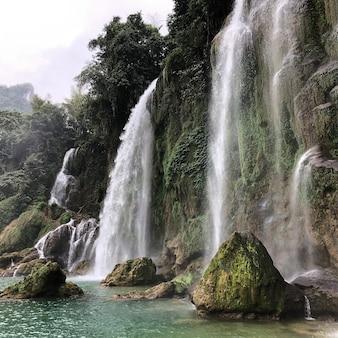 ベトナム、カオバンの徳天瀑布滝