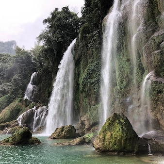 Водопад бан джок в каобанг, вьетнам