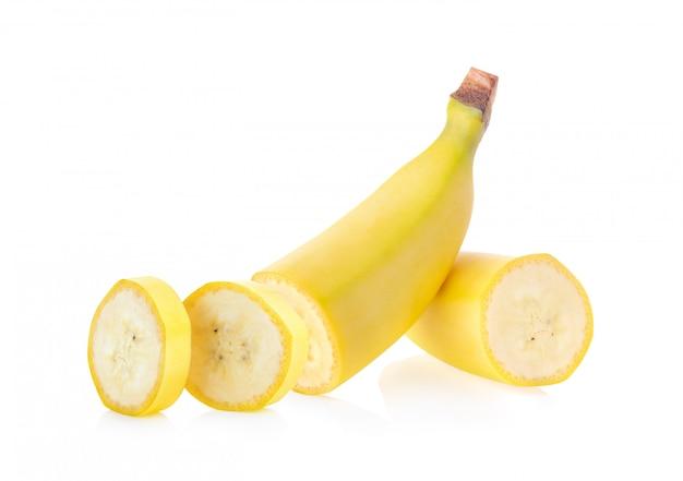 Банан, изолированные на белой поверхности