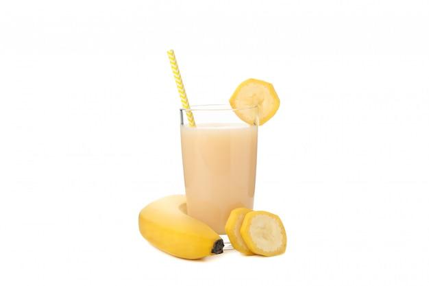 Банановый сок изолированы. свежие фрукты