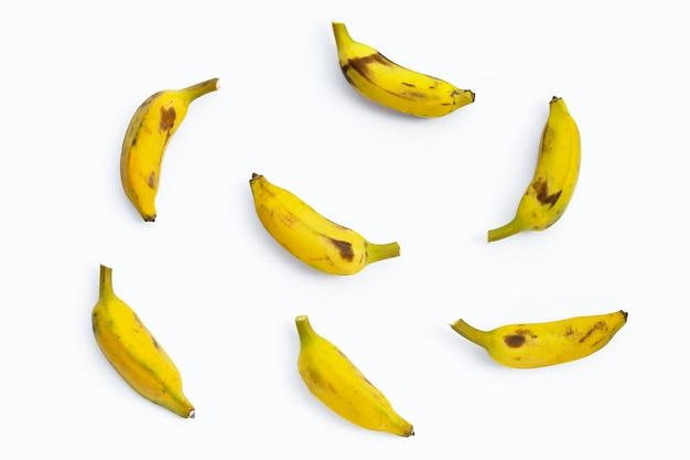 白い表面にバナナ。上面図