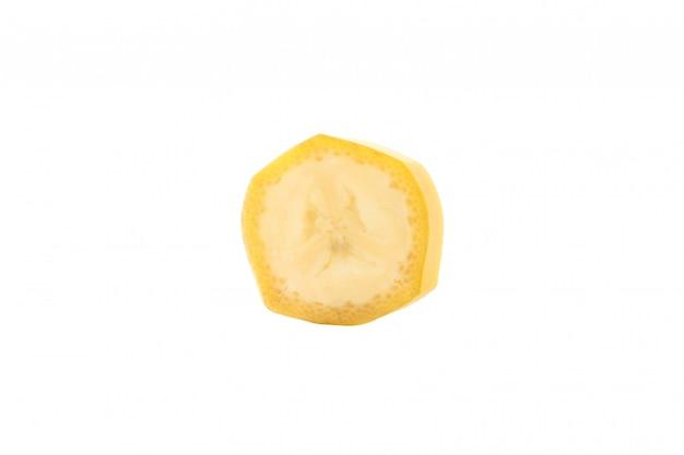 Банановый ломтик изолированы. свежие фрукты