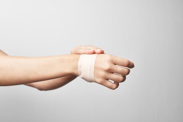 붕대 팔 부상 건강 문제 의학