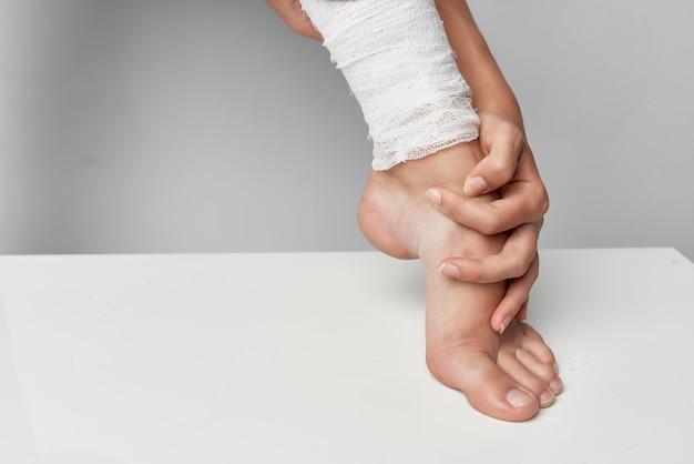 包帯の脚の外傷学の健康問題のクローズアップ