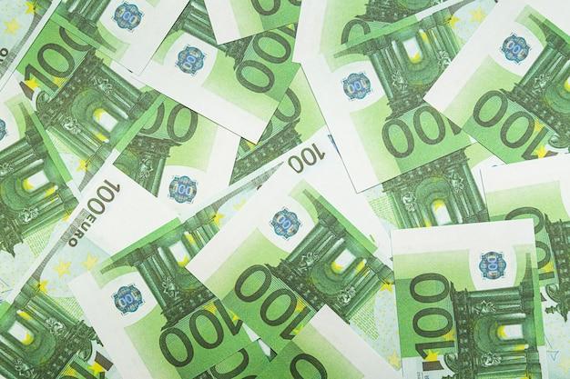 紙幣100ユーロの抽象的な背景