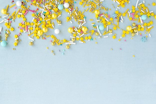 コピースペースのバナー砂糖は休日のデザイン、パーティー、誕生日、結婚式の招待状の粒子の粗い背景を振りかける