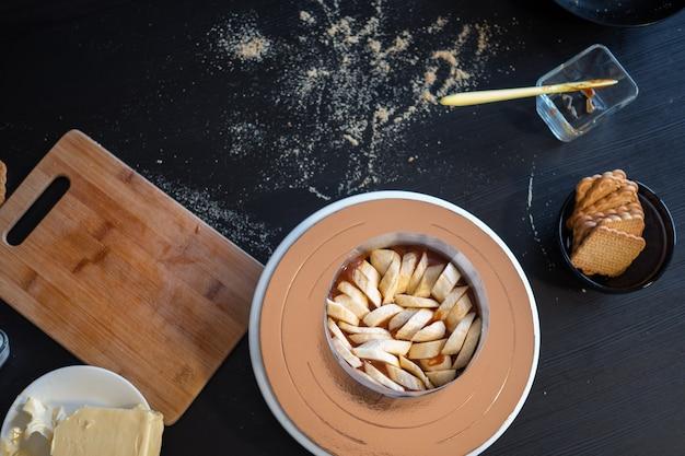 Торт баноффи процесс приготовления торта без выпечки на песочном тесте