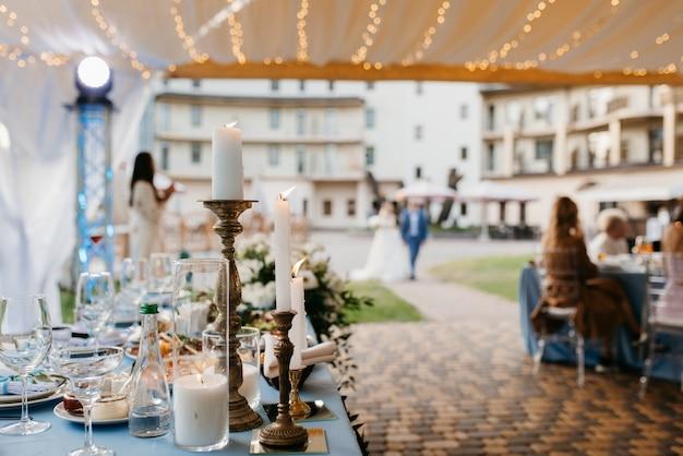 結婚式のための宴会場、宴会場の装飾