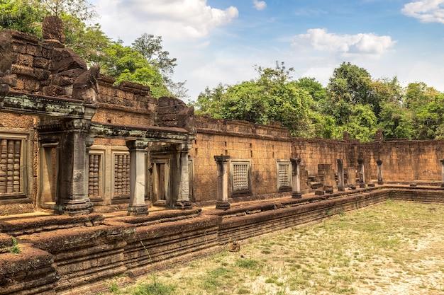 Храм бантей самре в ангкор-ват в сием рипе, камбоджа