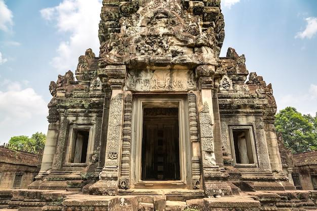 시엠립, 캄보디아 앙코르 와트의 반 테이 삼레 사원