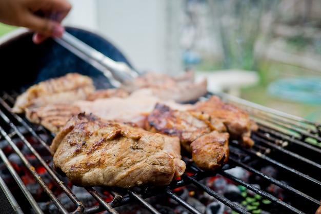 Bar-b-q, grill, roast, barbecue, tread, stride, bake