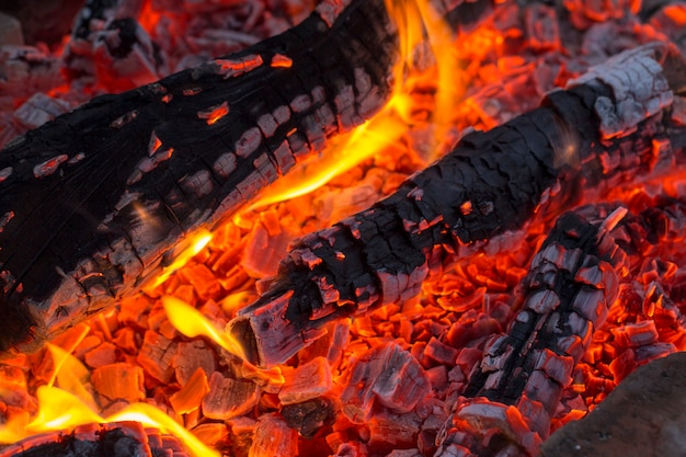 ,barbecue charcoal, burning charcoal