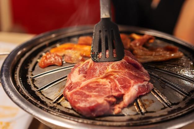 바베큐 돼지 고기와 고기 그릴, 한국식