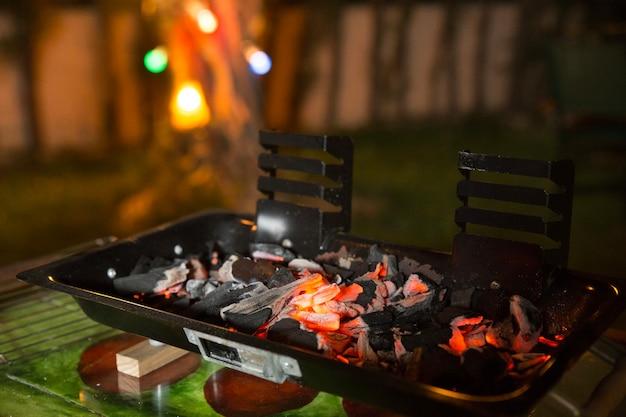 고기를 준비하는 바베큐
