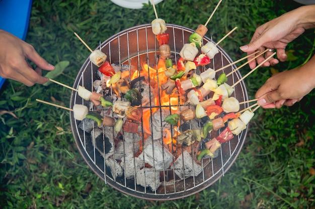 Барбекю колбаса и шашлык