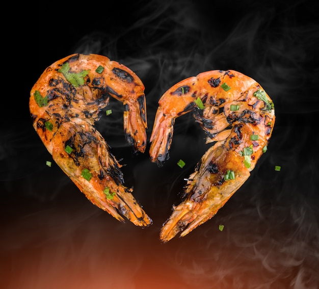 Barbeque grilled prawns with spicy ingredients.