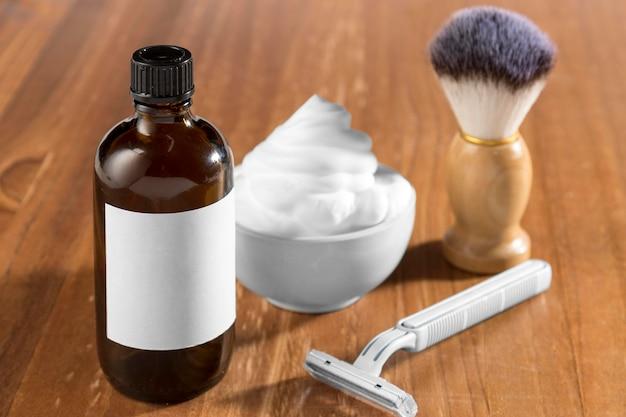 Strumenti e olio per la toelettatura del negozio di barbiere