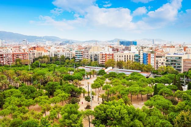 バルセロナの空中パノラマビュー。バルセロナはスペインの首都であり最大のカタルーニャ市です。