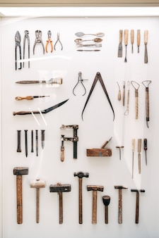バルセロナ スペイン 12 月ヴィンテージ建築家ツールが博物館に展示されています。