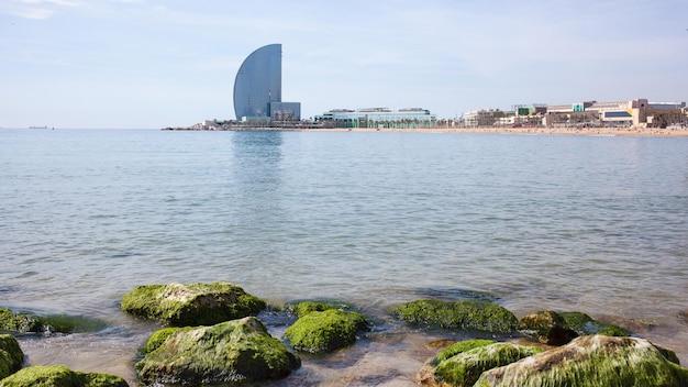 バルセロネータビーチとホテルヴェラ