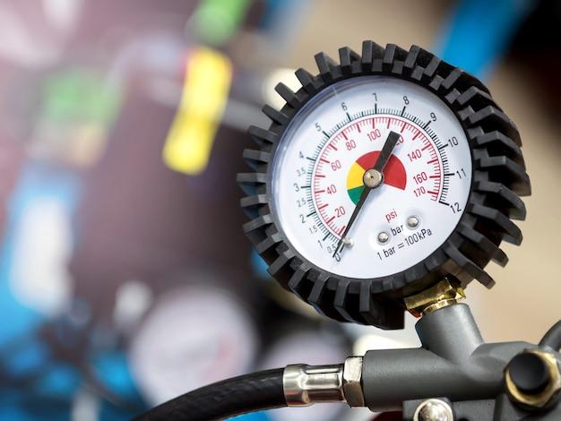 Barometer on the compressor