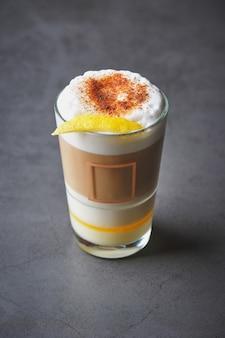 Barraquito - сладкий кофейный напиток, очень популярный на канарских островах.