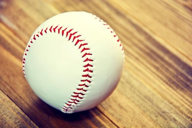 Игра в бейсбол.