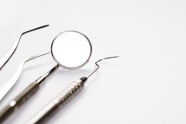 Основные инструменты стоматолога