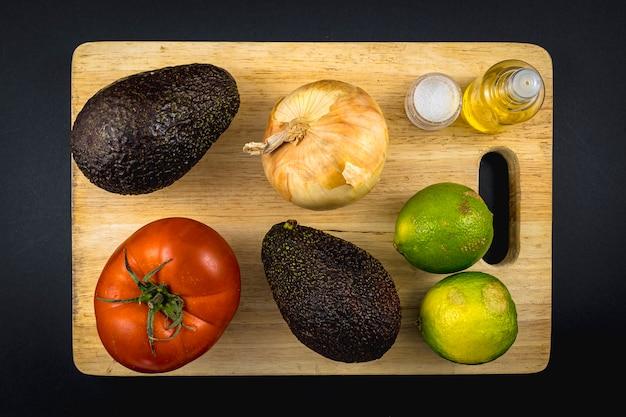 Основные ингредиенты. рецепт приготовления хорошего гуакамоле