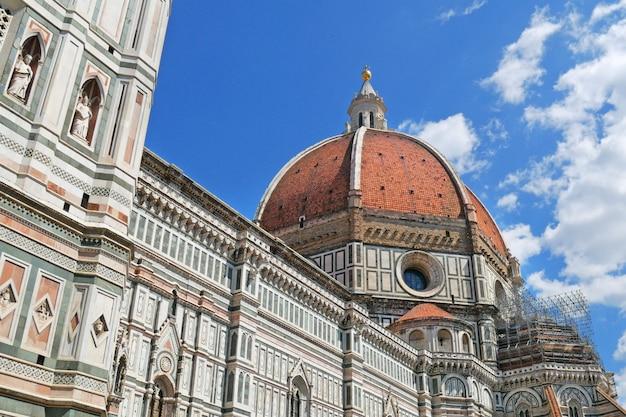 サンタマリアデルフィオーレ大聖堂、フィレンツェドゥオーモ、フィレンツェ、イタリア。